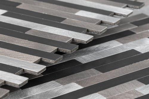 zwart grijs mozaiek tegels